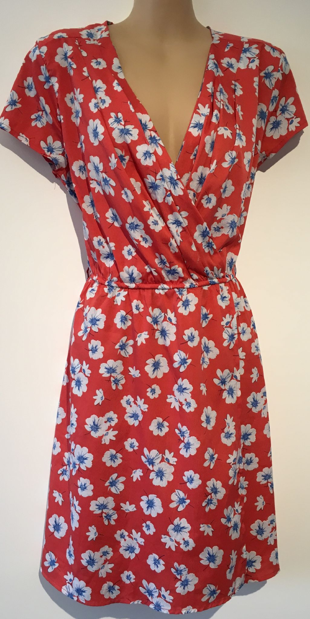 fd4398bac51 NEW LOOK RED FLORAL WRAP CHEST DRESS SIZE 12