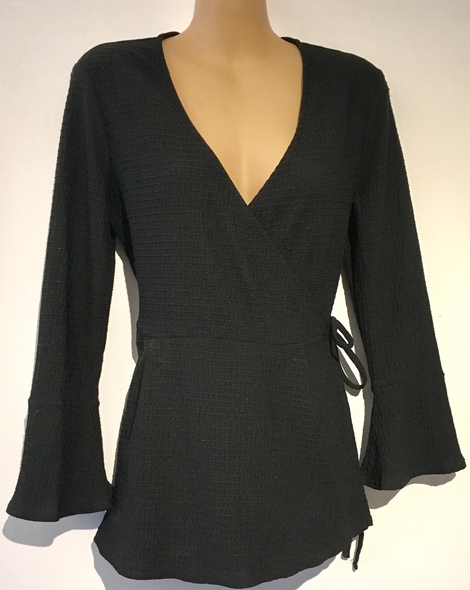 ea4eef9e3600c TOPSHOP MATERNITY/NURSING BLACK TEXTURED WRAP LONG SLEEVED TOP SIZE 10